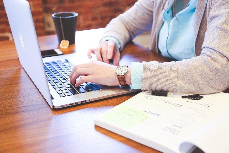 Læs på lektien, inden du låner penge online